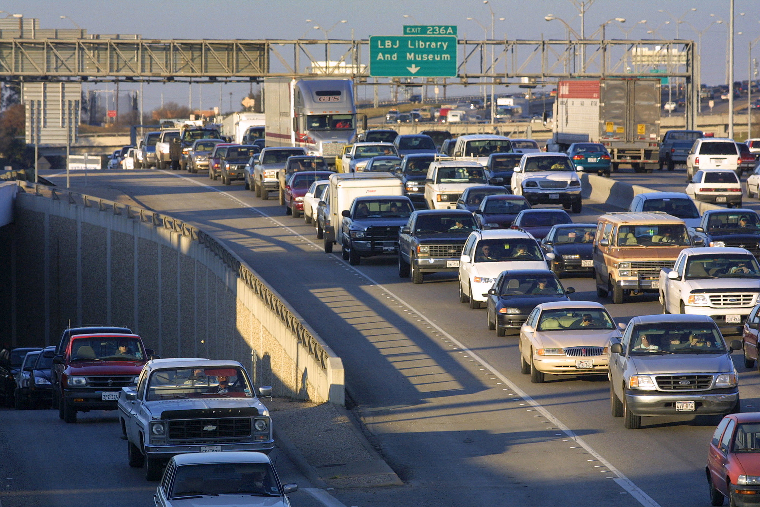 Study Finds L.A. Worst for Traffic and Commuters